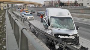 Ciąg dalszy trudnego dnia na S8. Zderzenie busa i ciężarówki