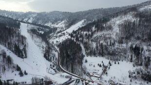 """W górach trudna sytuacja. Lawinowa """"dwójka"""" w Tatrach i Bieszczadach"""