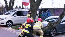 Połamane konary drzew w Kołobrzegu